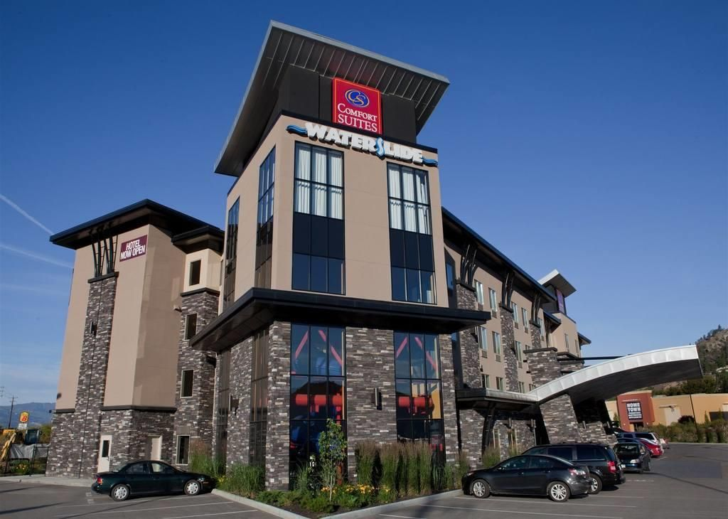 Hotels Kelowna Comfort Suites By Choice S All Suite Hotel