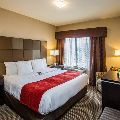 Comfort Suites Kelowna Junior Suite