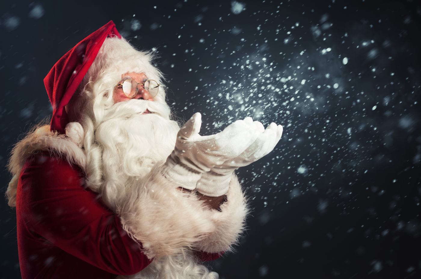 We hear Santa is coming to town. You can see him and experience the magic of Christmas when you book into the Comfort Suites, one of the best hotels in Kelowna.