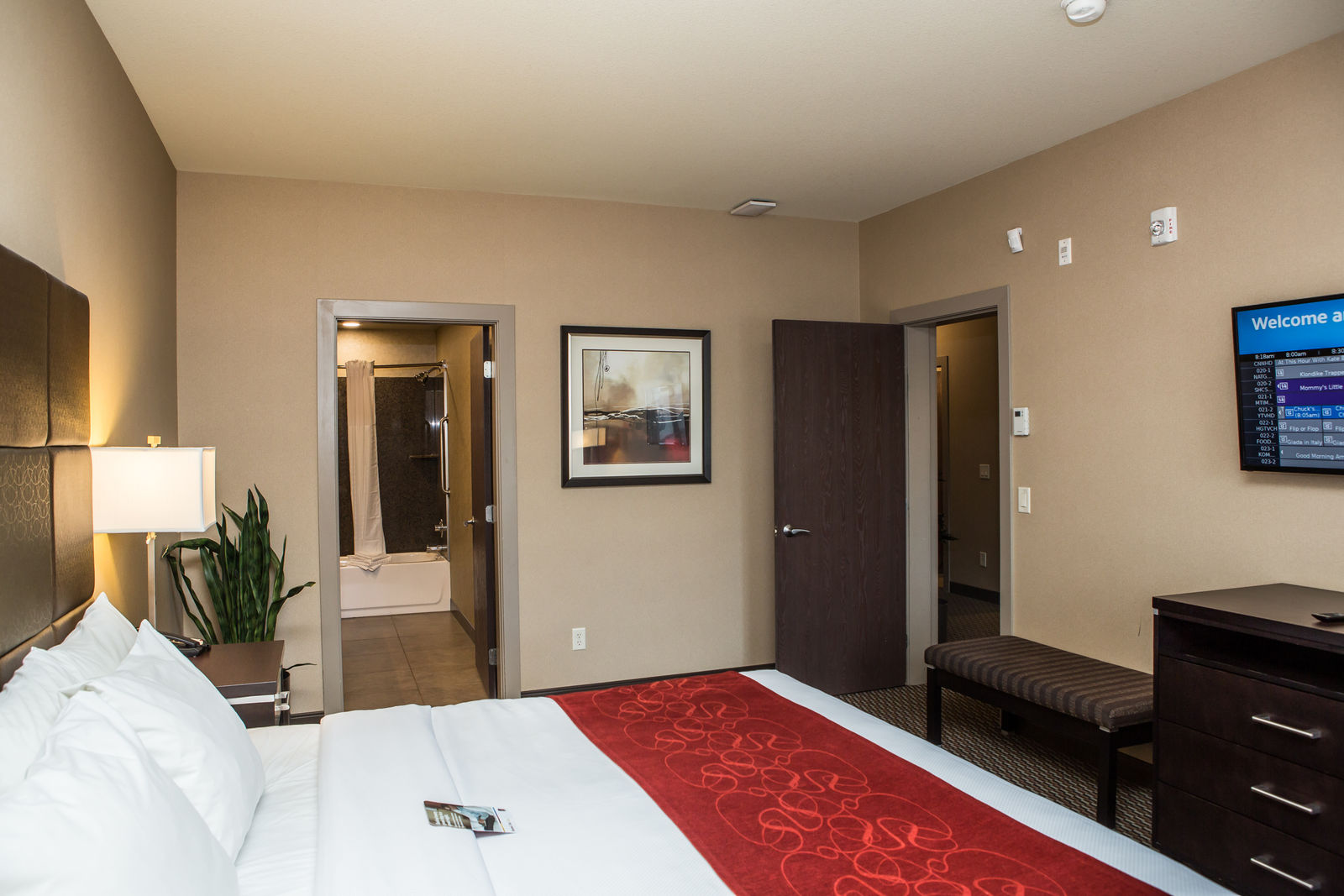 Superior Family Suite Comfort Suites Kelowna