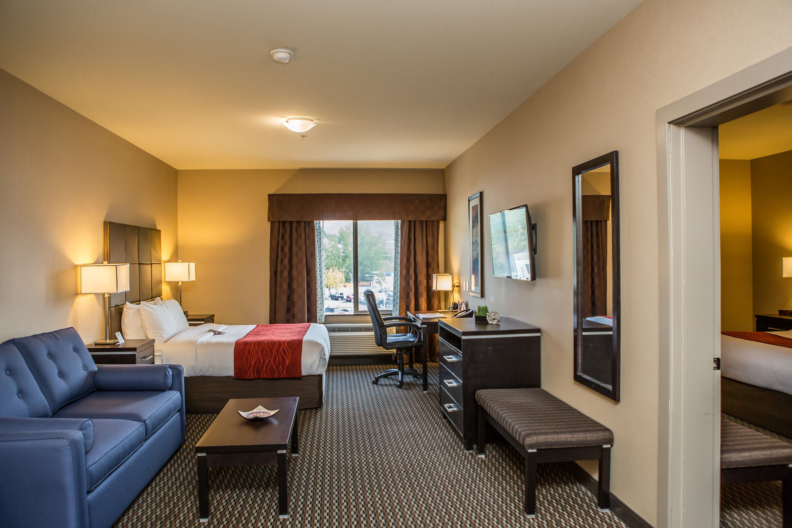 Our spacious suites have been recognized out of Kelowna hotels on TripAdvisor for their comfortable amenities.